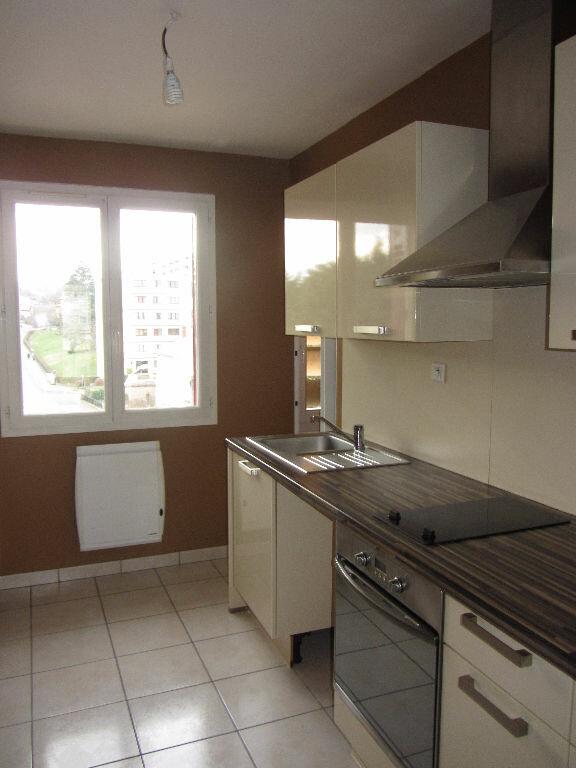 Appartement à louer 3 64.9m2 à Villefranche-sur-Saône vignette-3