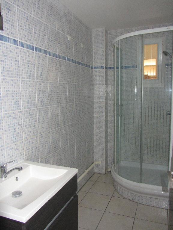 Appartement à louer 3 64.9m2 à Villefranche-sur-Saône vignette-5