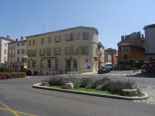 Appartement à louer 3 66m2 à Villefranche-sur-Saône vignette-1