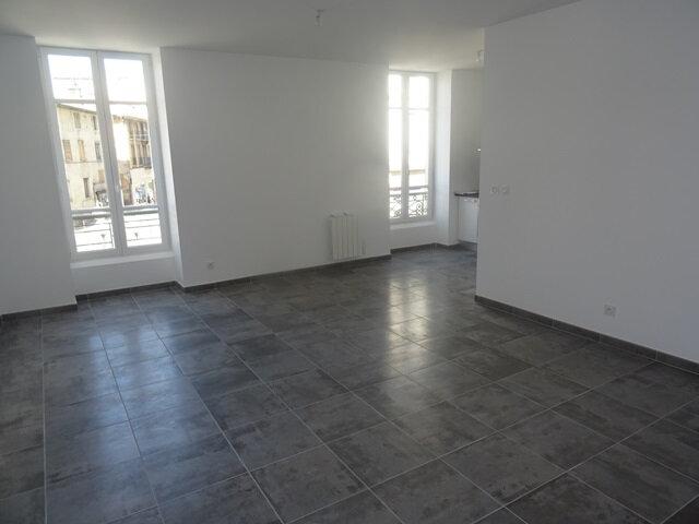 Appartement à louer 3 66m2 à Villefranche-sur-Saône vignette-2