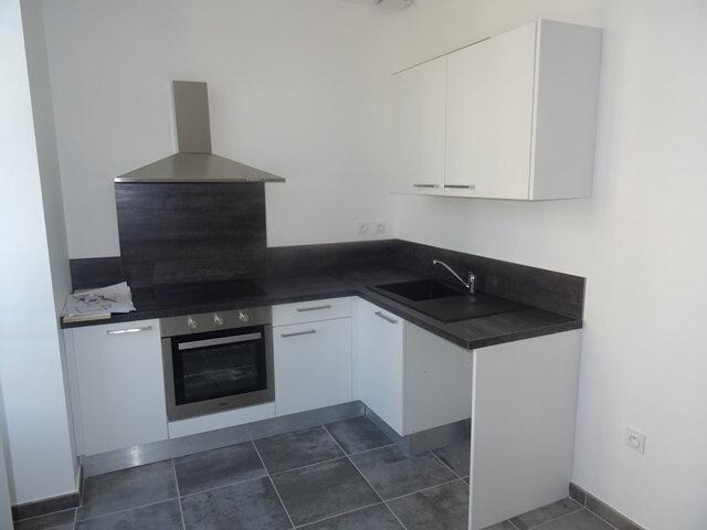 Appartement à louer 3 66m2 à Villefranche-sur-Saône vignette-3