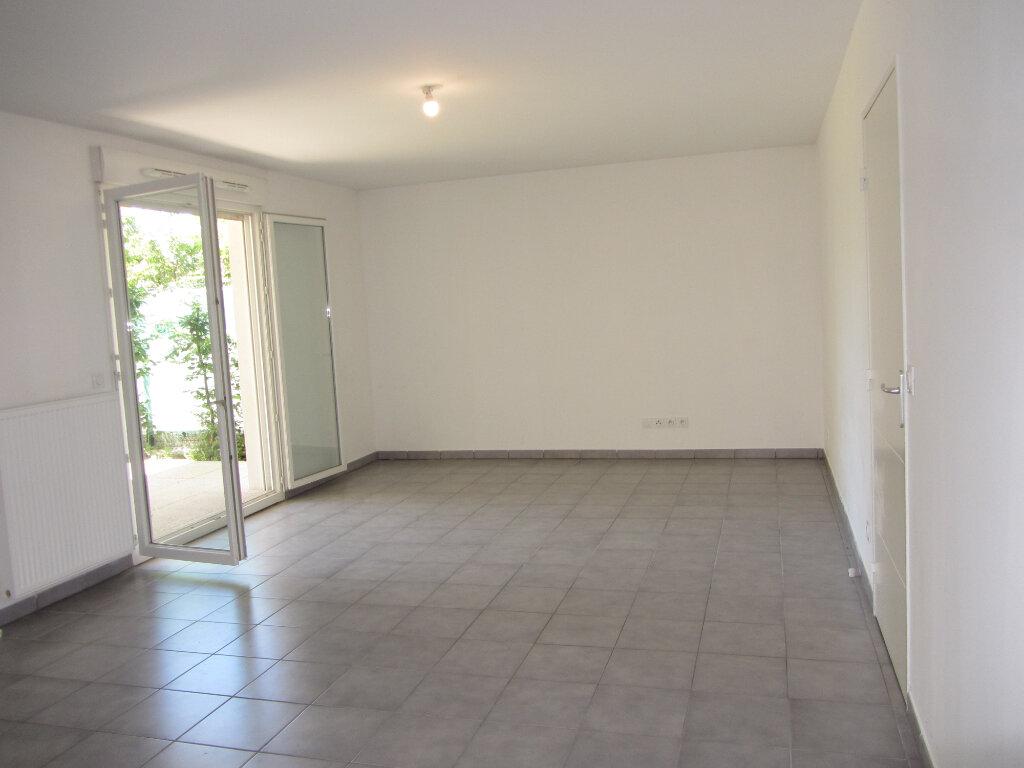 Appartement à vendre 3 69.16m2 à Villefranche-sur-Saône vignette-2