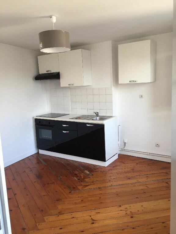 Appartement à louer 2 27.82m2 à Rouen vignette-2