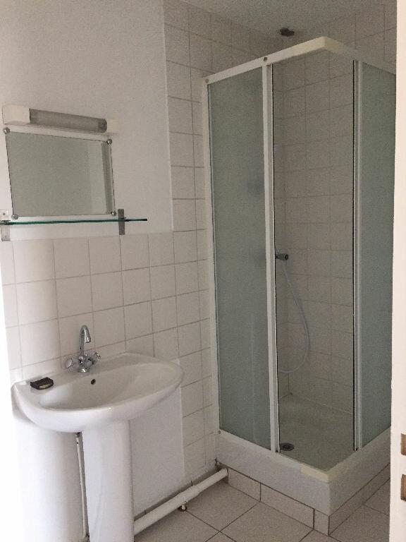 Appartement à louer 2 27.82m2 à Rouen vignette-5