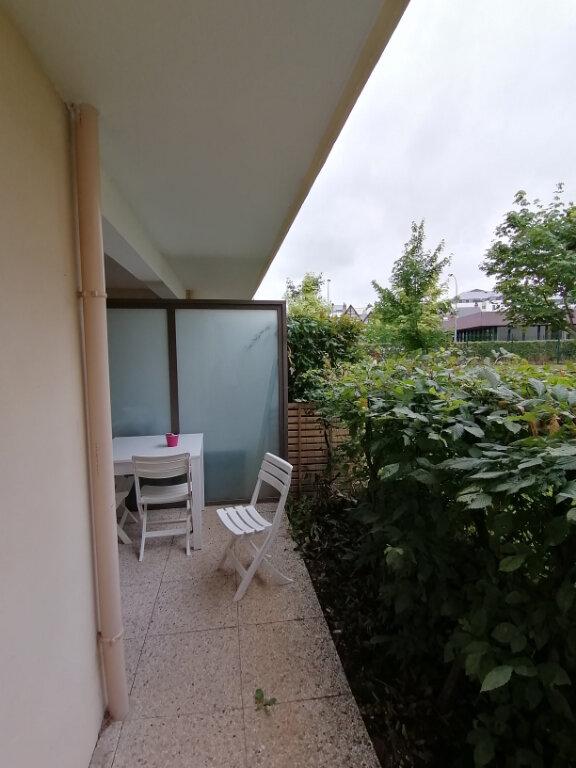 Appartement à louer 3 55.9m2 à Rouen vignette-3
