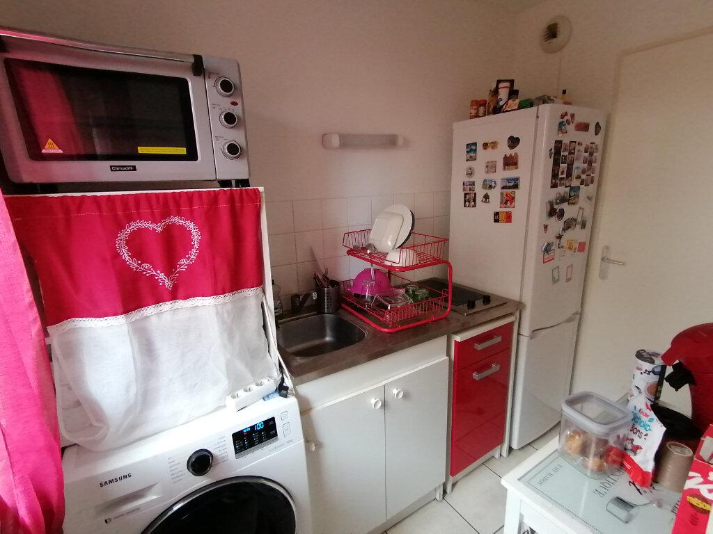 Appartement à louer 3 55.9m2 à Rouen vignette-5