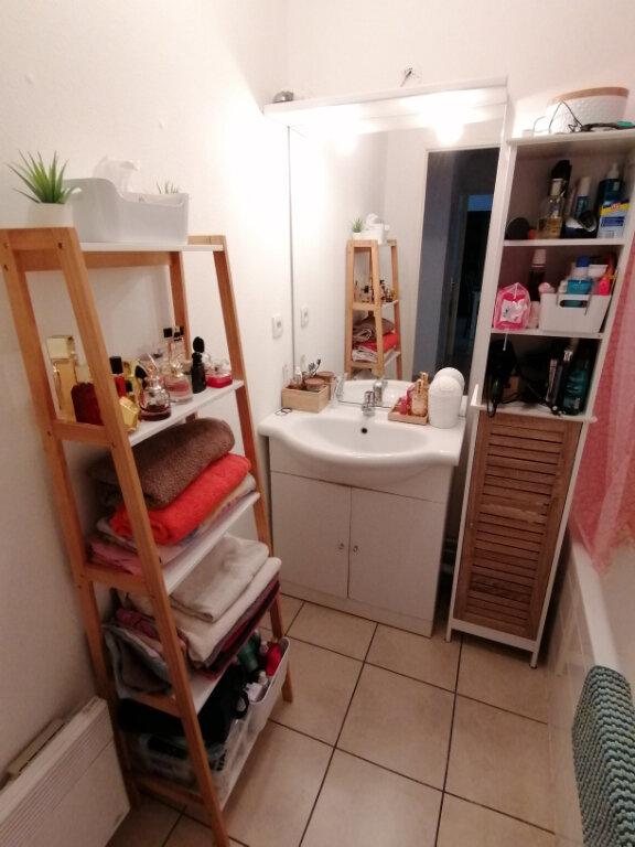 Appartement à louer 3 55.9m2 à Rouen vignette-6