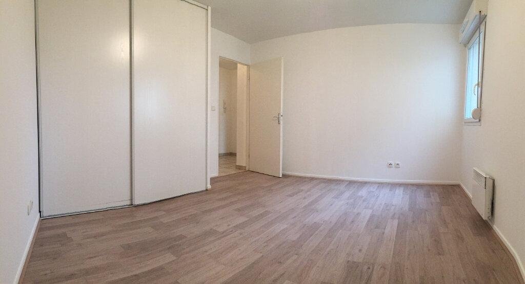 Appartement à louer 3 55.9m2 à Rouen vignette-7