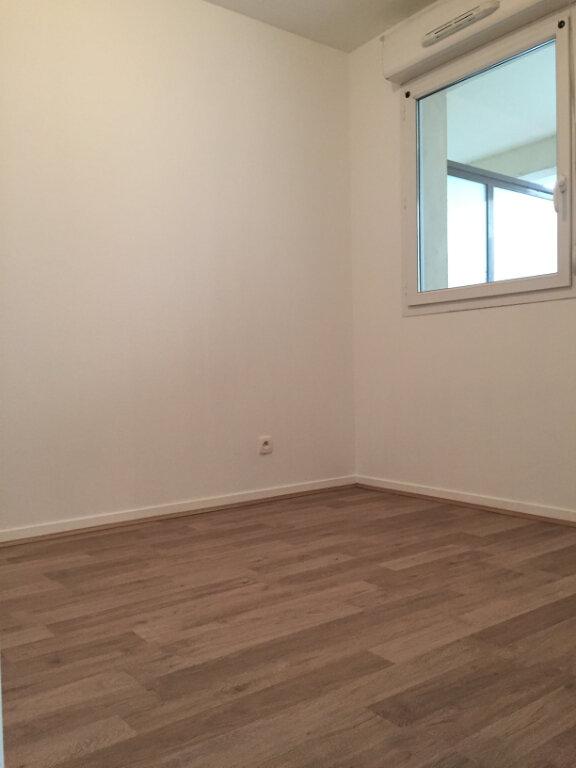 Appartement à louer 3 55.9m2 à Rouen vignette-9
