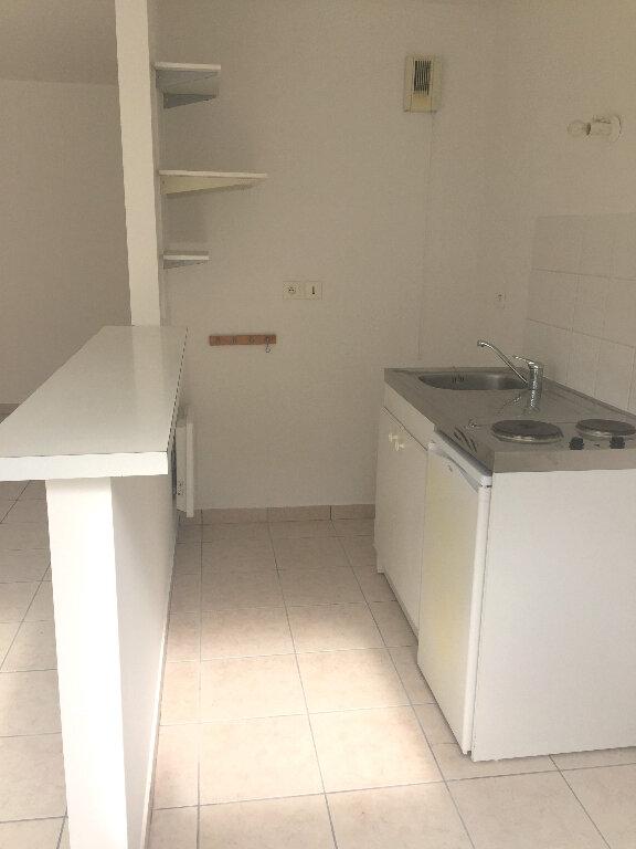 Appartement à louer 3 52.7m2 à Rouen vignette-2