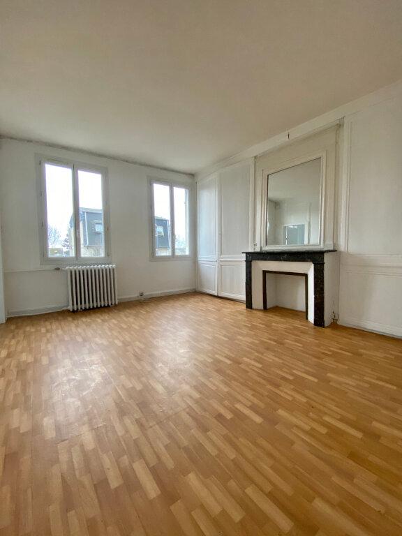 Appartement à louer 2 31.61m2 à Rouen vignette-1