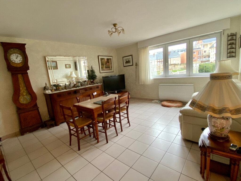 Appartement à vendre 4 82.77m2 à Rouen vignette-1