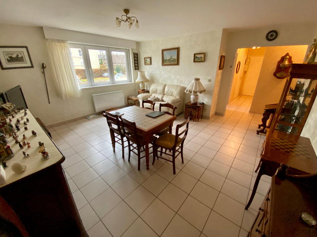 Appartement à vendre 4 82.77m2 à Rouen vignette-2