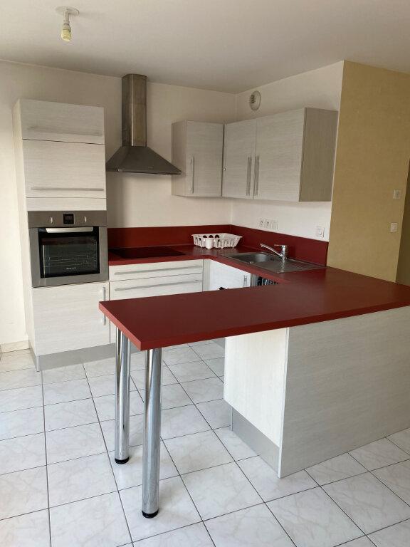 Appartement à louer 3 63.13m2 à Rouen vignette-2