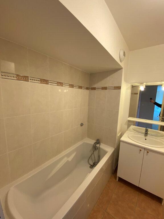 Appartement à louer 3 63.13m2 à Rouen vignette-5