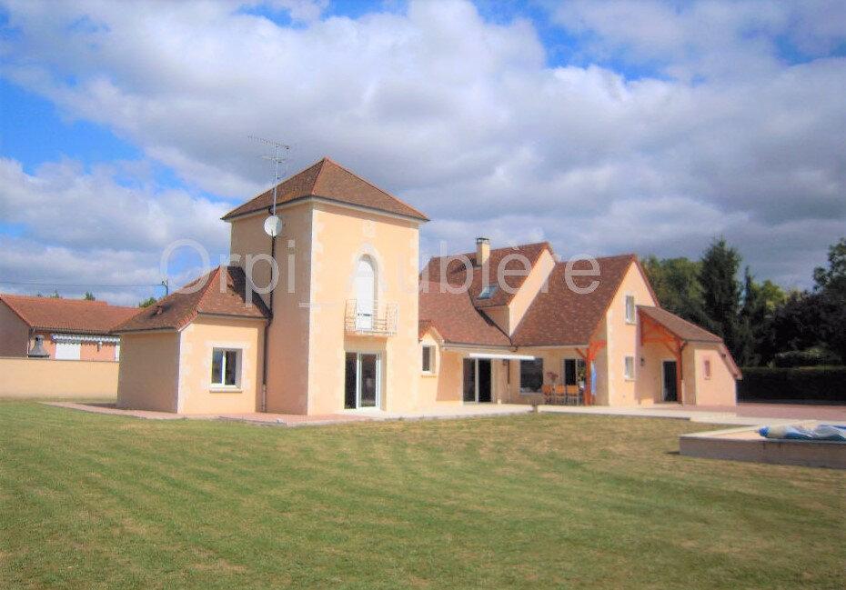 Maison à vendre 6 260m2 à Effiat vignette-1