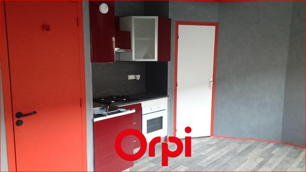 Appartement à louer 2 25.76m2 à Clermont-Ferrand vignette-1