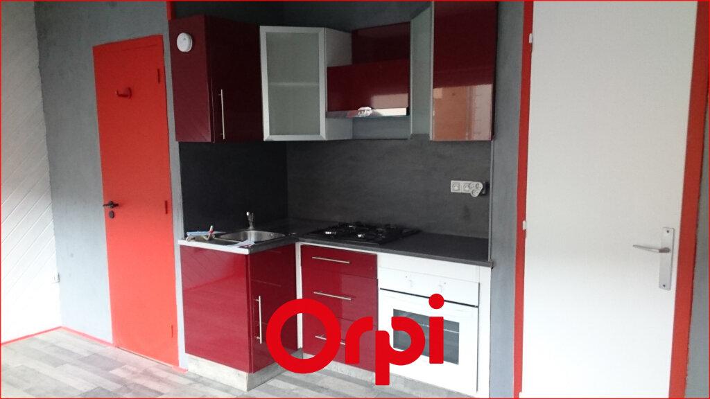 Appartement à louer 2 25.76m2 à Clermont-Ferrand vignette-3