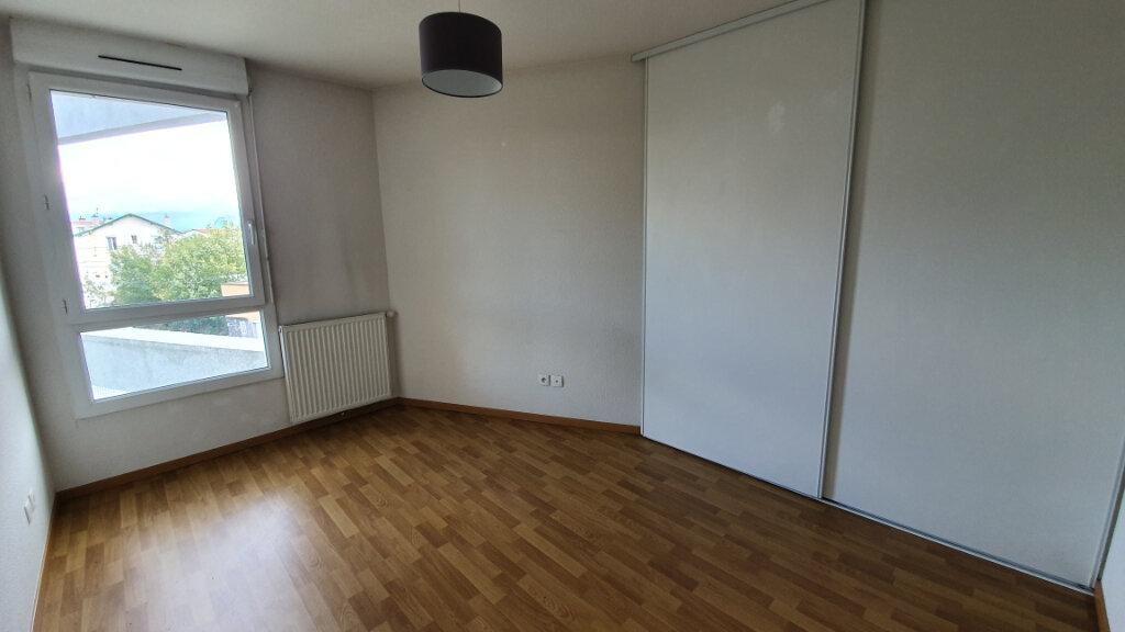 Appartement à louer 3 64.8m2 à Clermont-Ferrand vignette-5