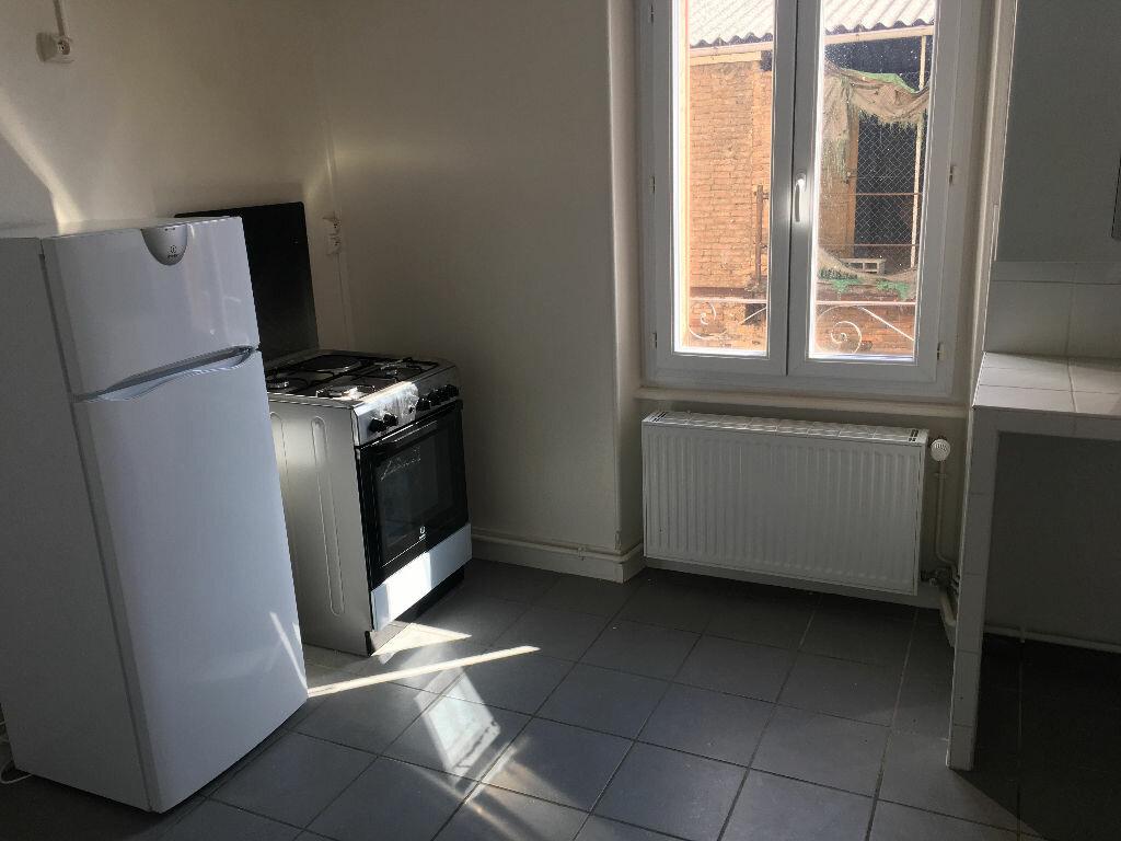 Appartement à louer 4 110.23m2 à Clermont-Ferrand vignette-4