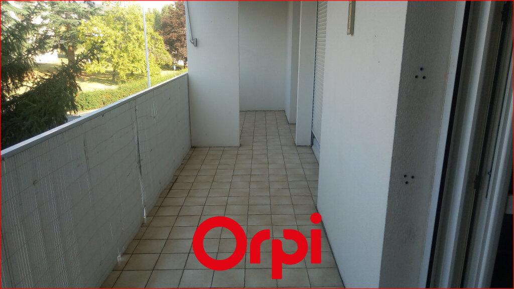 Appartement à louer 4 88.57m2 à Cournon-d'Auvergne vignette-6