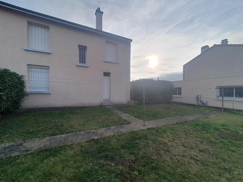 Maison à louer 4 90.5m2 à Aubière vignette-1