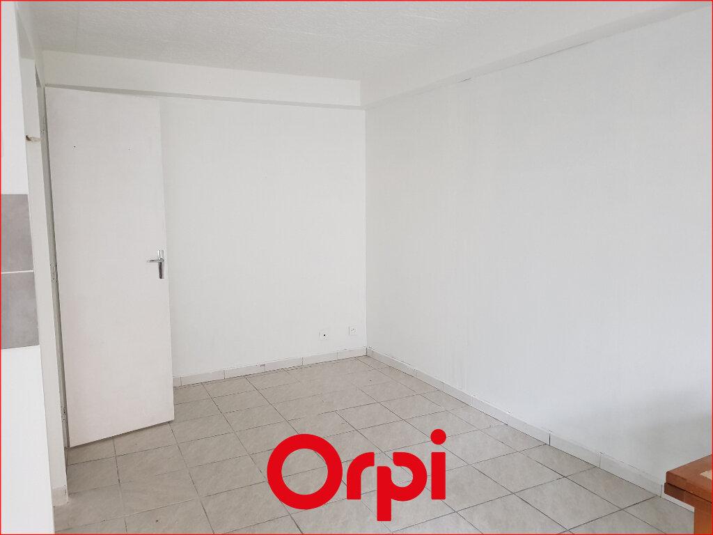 Appartement à louer 1 18.81m2 à Aubière vignette-1