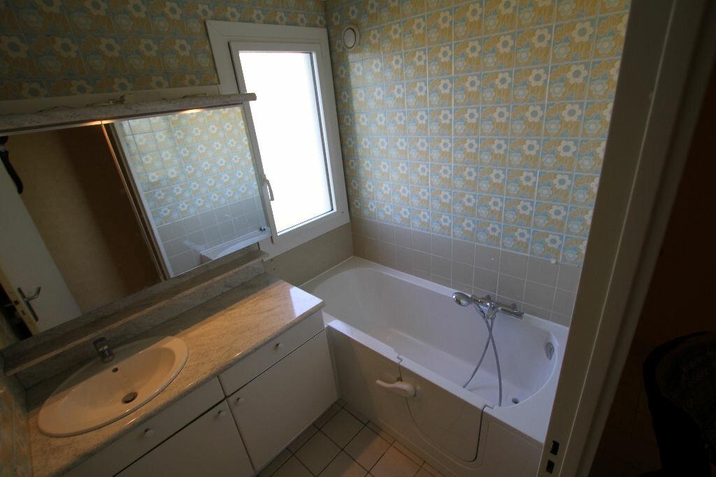 Appartement à louer 4 94.74m2 à Cournon-d'Auvergne vignette-5