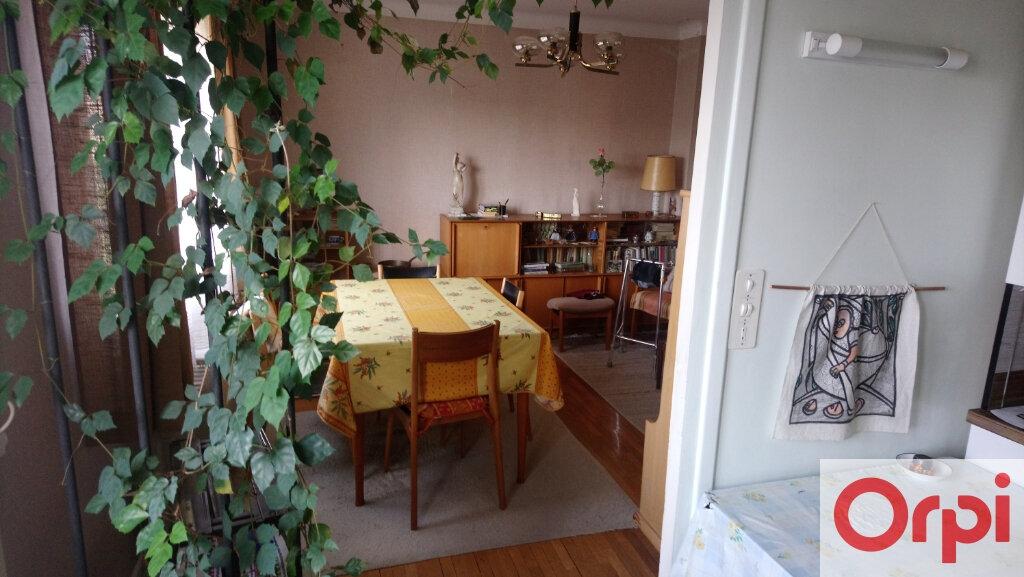 Maison à vendre 7 145m2 à Issoire vignette-3