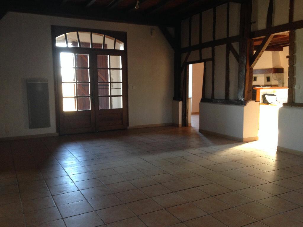 Maison à louer 8 217m2 à Arsague vignette-4