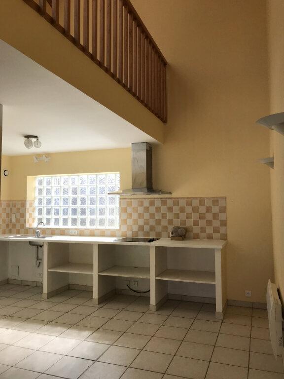 Appartement à louer 3 112m2 à Castelnau-Chalosse vignette-2