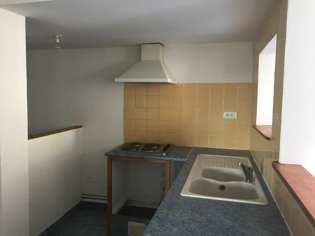Appartement à louer 3 67.79m2 à Tilh vignette-3