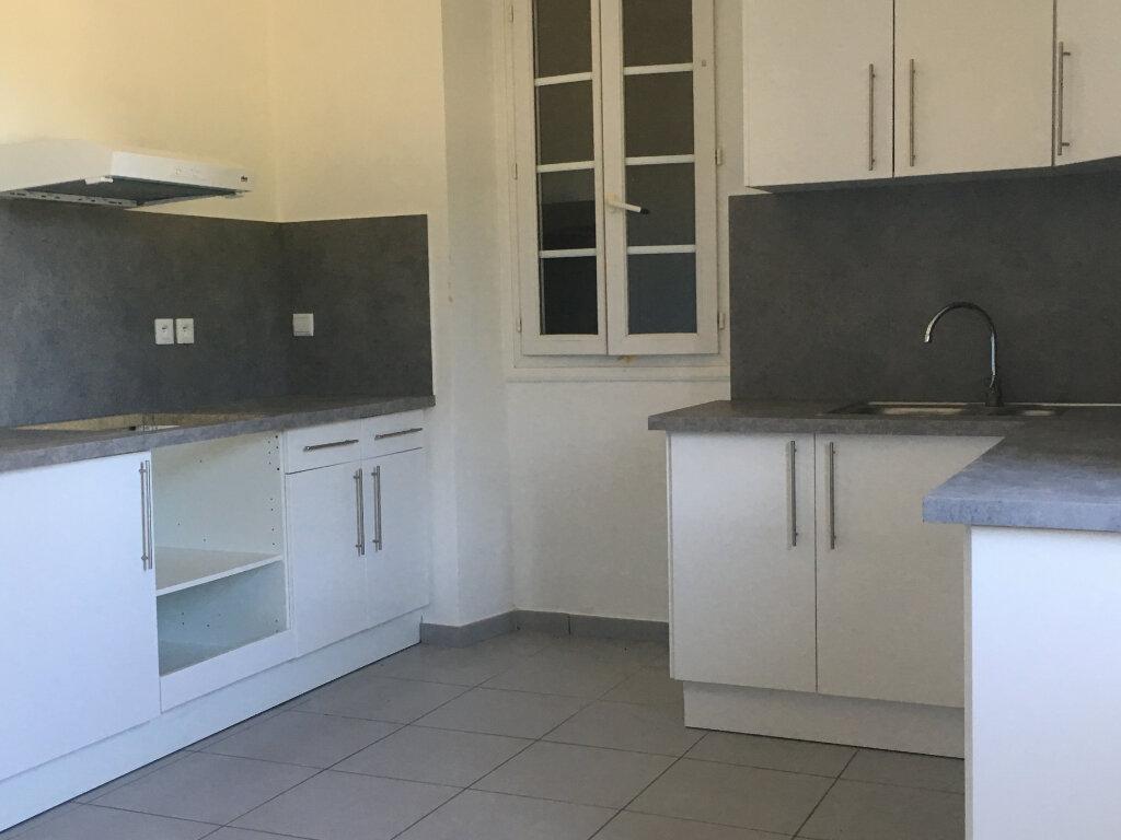 Appartement à louer 4 98.44m2 à Pomarez vignette-4