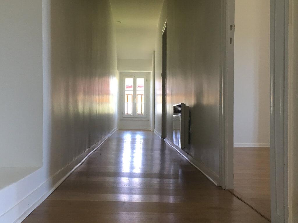 Appartement à louer 4 98.44m2 à Pomarez vignette-5