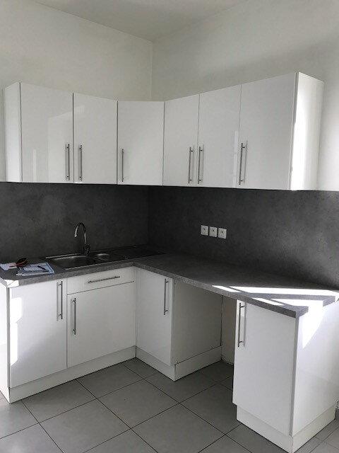 Appartement à louer 4 98.44m2 à Pomarez vignette-8