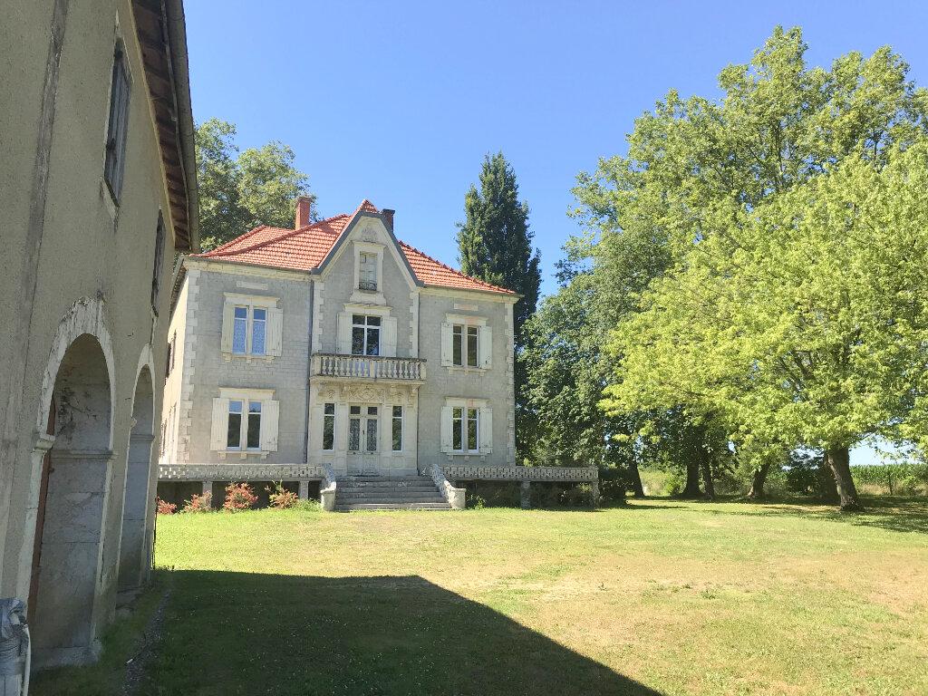 Maison à vendre 9 258m2 à Pomarez vignette-1