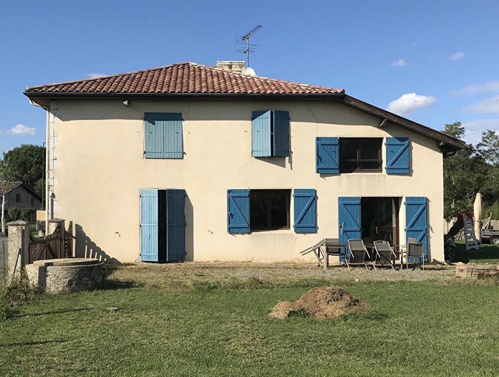 Maison à vendre 8 311m2 à Pomarez vignette-1