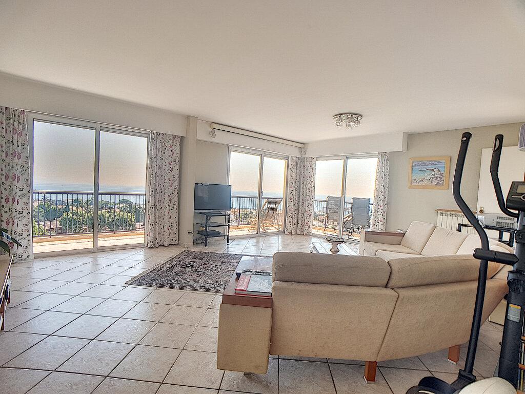 Appartement à vendre 5 163m2 à Antibes vignette-2