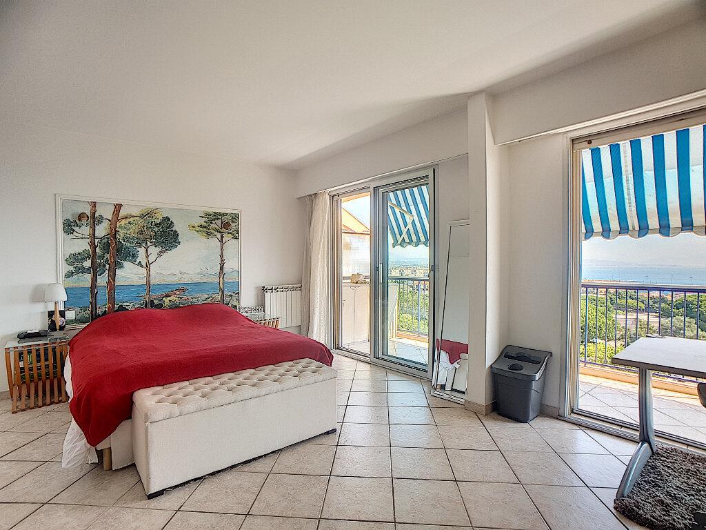 Appartement à vendre 5 163m2 à Antibes vignette-9