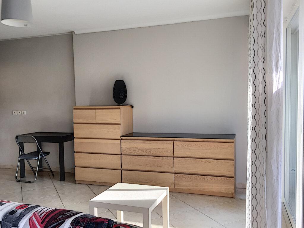 Appartement à louer 2 31.43m2 à Saint-Laurent-du-Var vignette-5