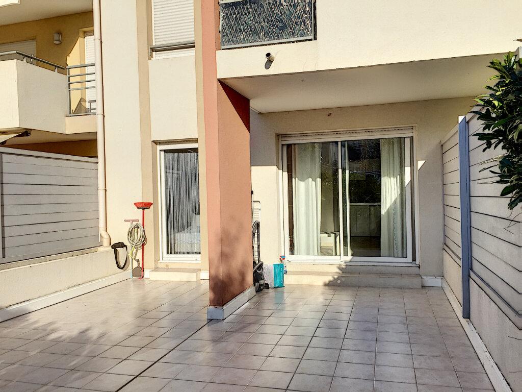 Appartement à louer 2 31.43m2 à Saint-Laurent-du-Var vignette-10