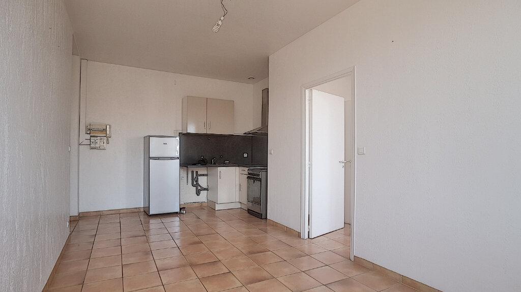 Appartement à louer 2 44.77m2 à Antibes vignette-4