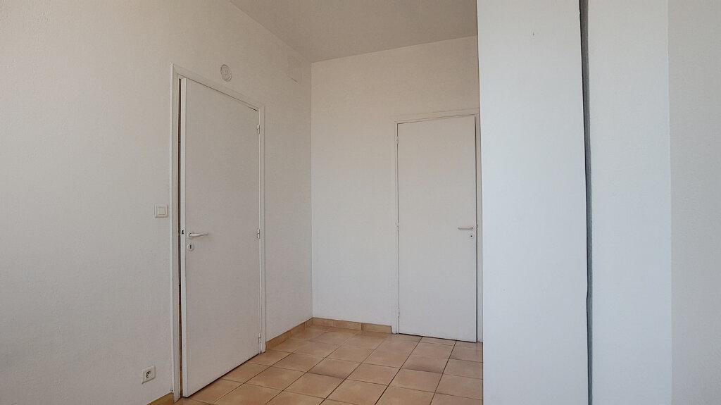 Appartement à louer 2 44.77m2 à Antibes vignette-6