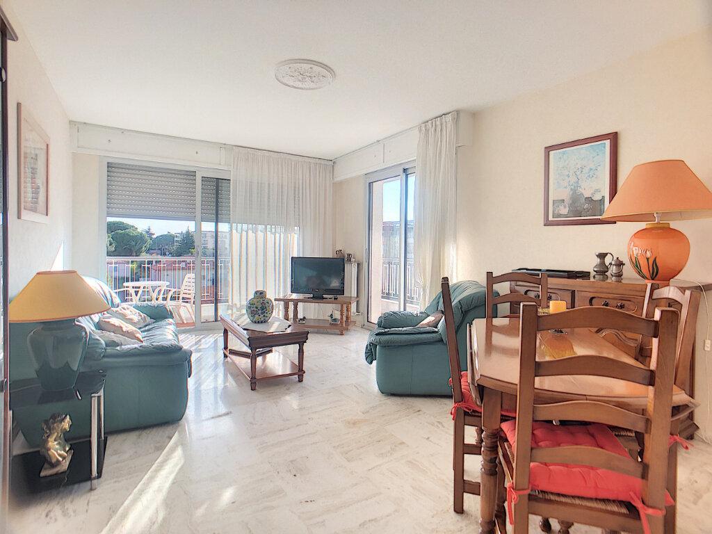 Appartement à vendre 4 85.6m2 à Antibes vignette-4