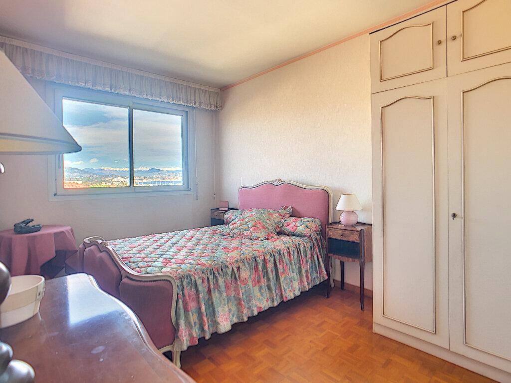 Appartement à vendre 4 85.6m2 à Antibes vignette-6