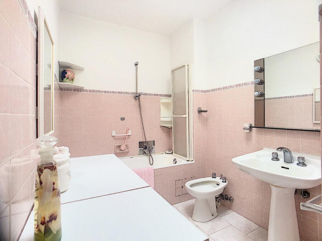 Appartement à vendre 4 85.6m2 à Antibes vignette-7