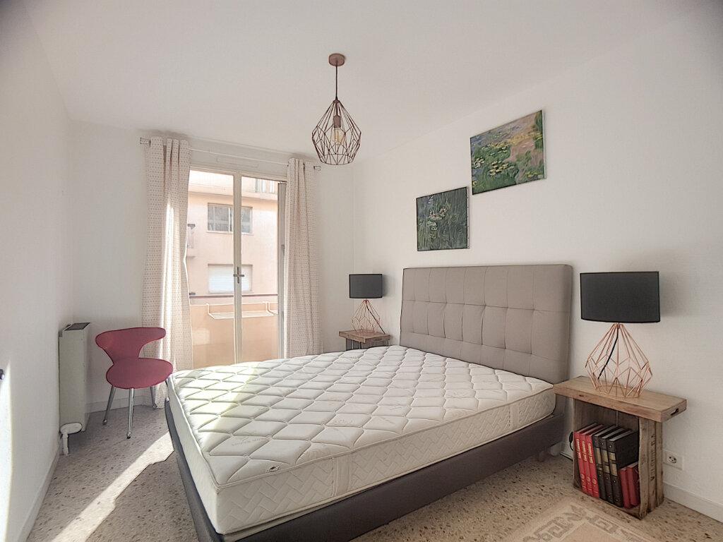 Appartement à louer 2 57.04m2 à Golfe Juan - Vallauris vignette-3