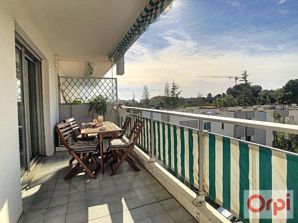 Appartement à vendre 3 65.5m2 à Antibes vignette-3