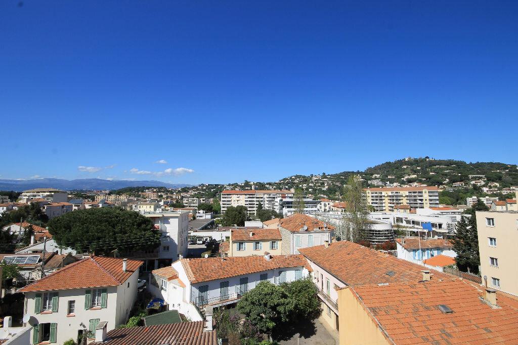 Appartement à louer 2 38.83m2 à Cannes vignette-1