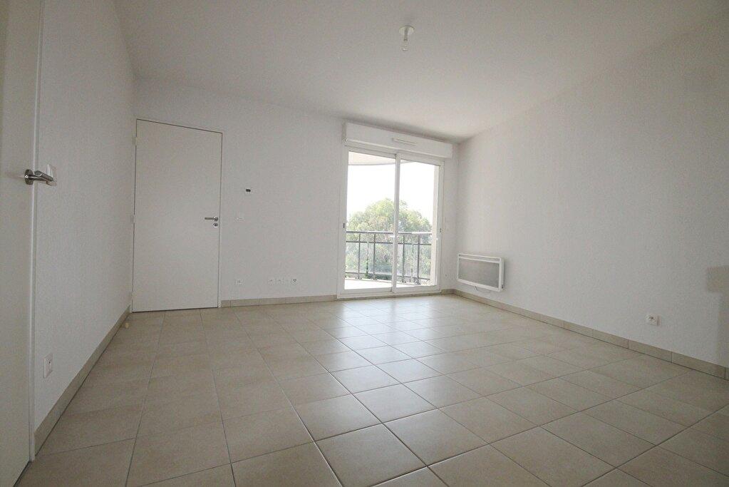 Appartement à louer 2 36.65m2 à Cannes vignette-2